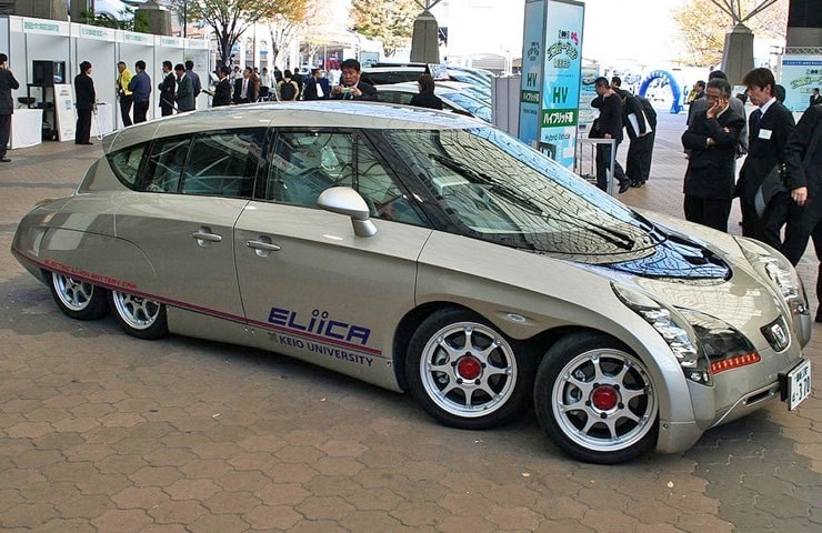 3-8-wheeled-eliica-electric-car-2-1