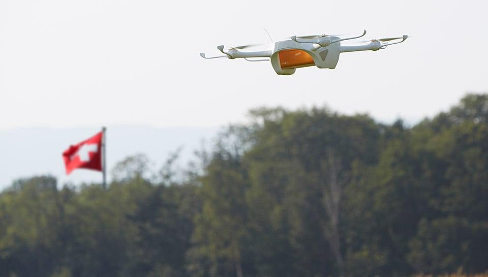 Iniziano i primi test per la consegna tramite droni delle poste svizzere