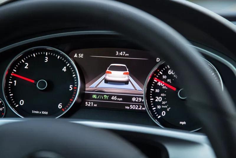 Volkswagen  ACC