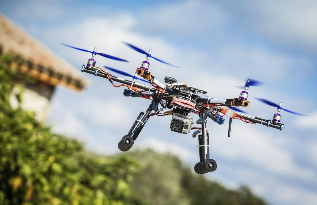 Guardate un drone di Google all'opera mentre consegna un pacco (video)