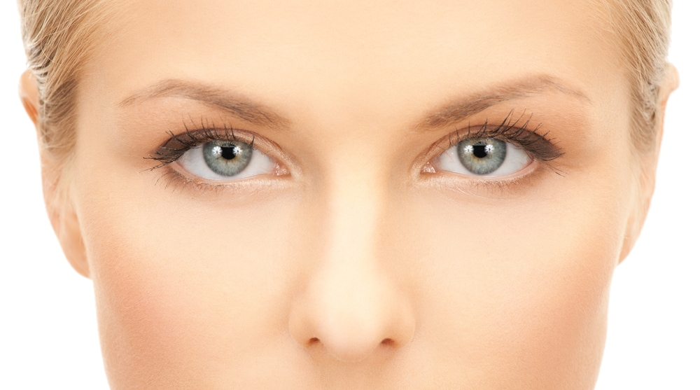 fissare negli occhi provoca allucinazioni