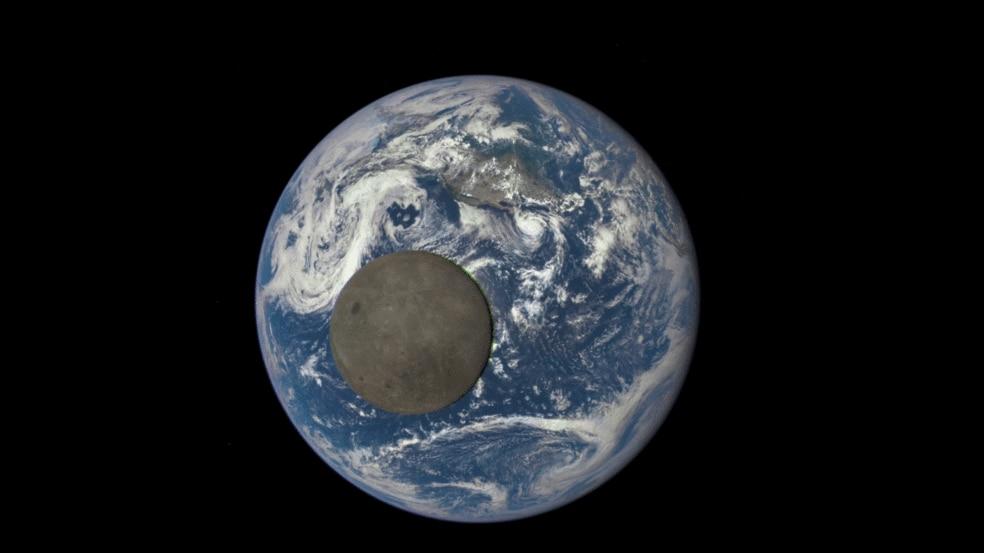 lato oscuro della luna