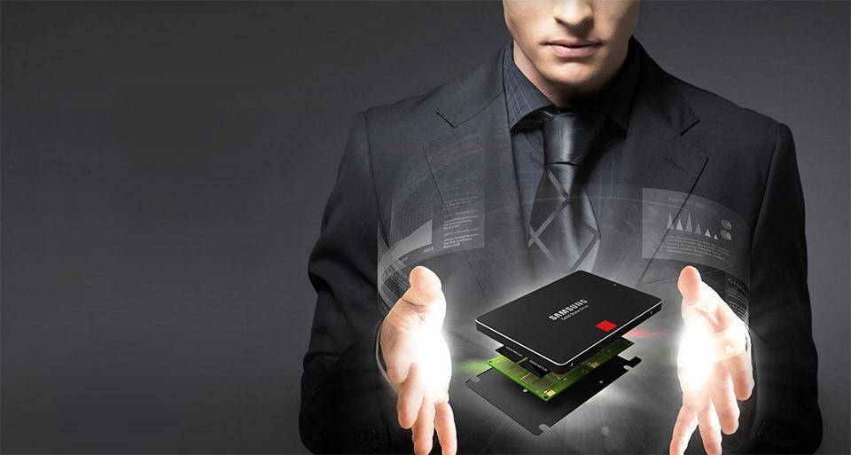 15 TB in 2,5 pollici: l'unità SSD da record è di Samsung
