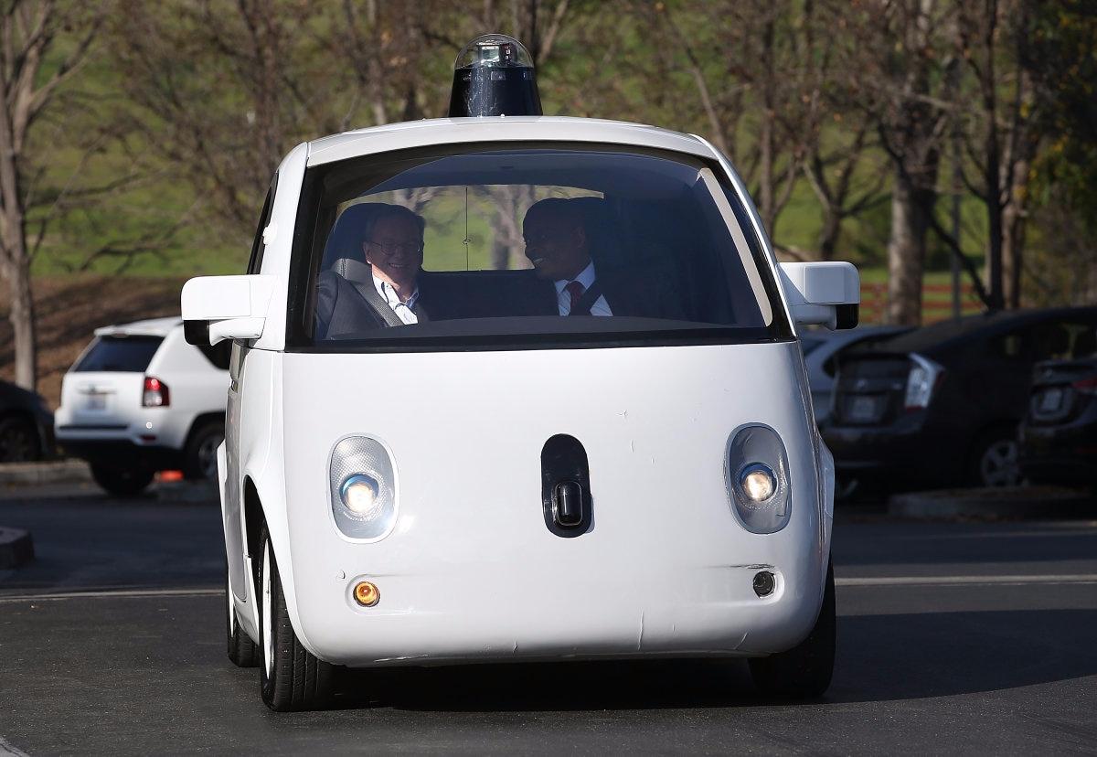 Google lavora alla ricarica wireless per le self-driving car