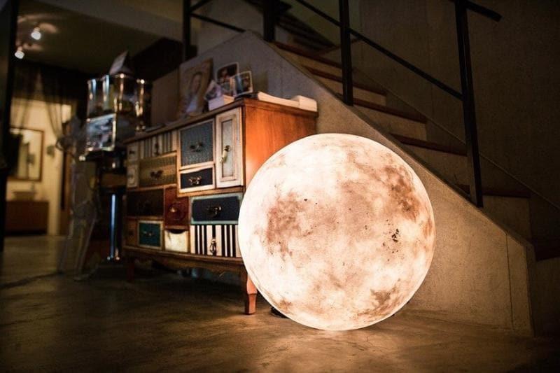 Acorn Studio moon in the room