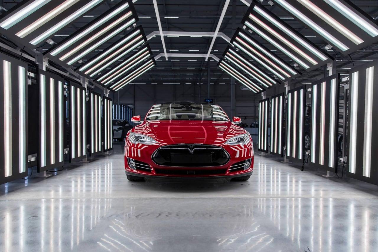 fabbrica europea Tesla