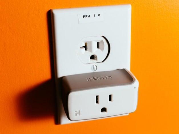 ihome-isp5-smartplug-product-photos-2