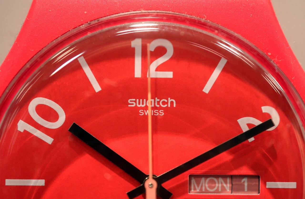 Swatch non può competere con Apple Watch, e punta a smartwatch di fascia bassa