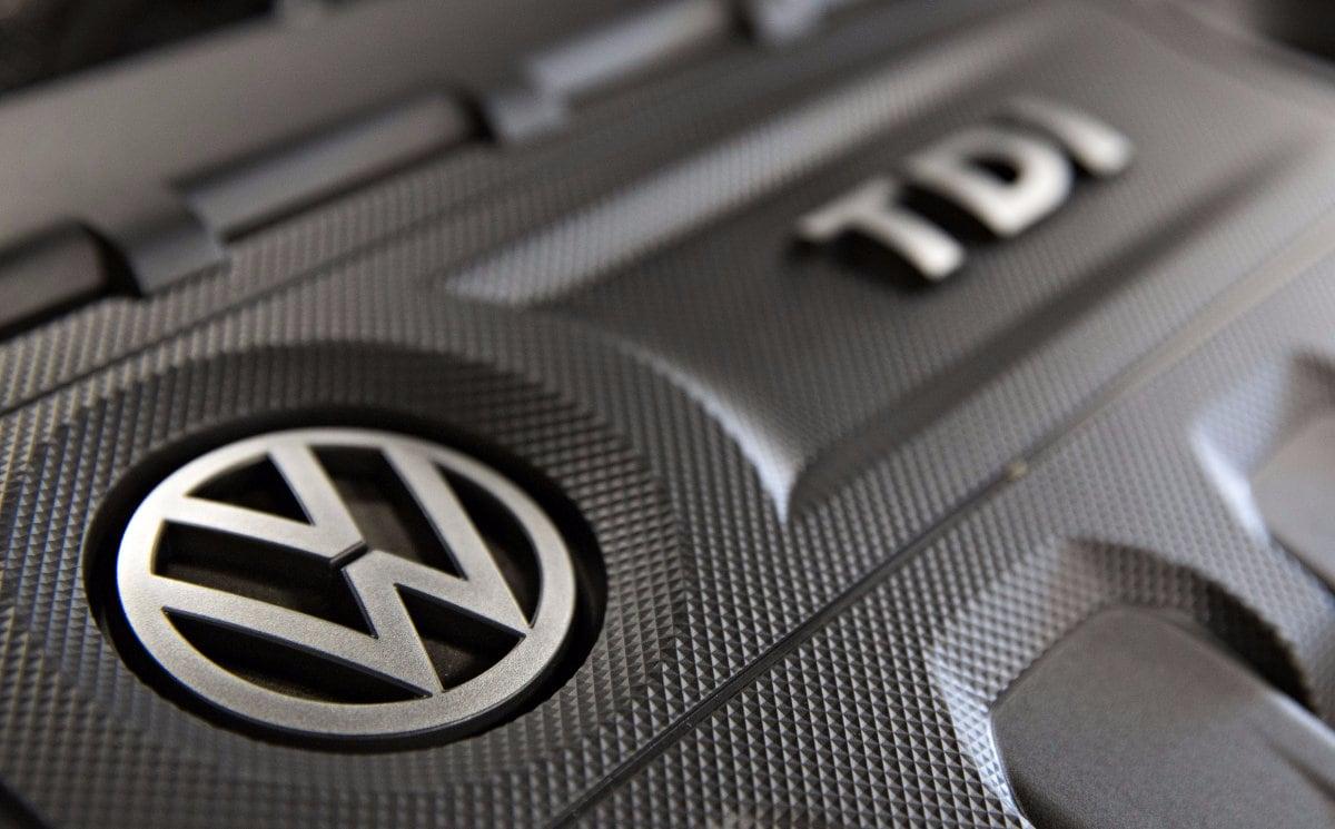 Volkswagen mostra in video come sistemerà i motori dello scandalo, ma i dubbi non mancano (video)
