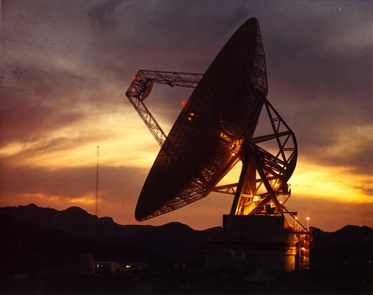 Da Facebook punti di accesso a 96 antenne e lampioni per portare internet ovunque