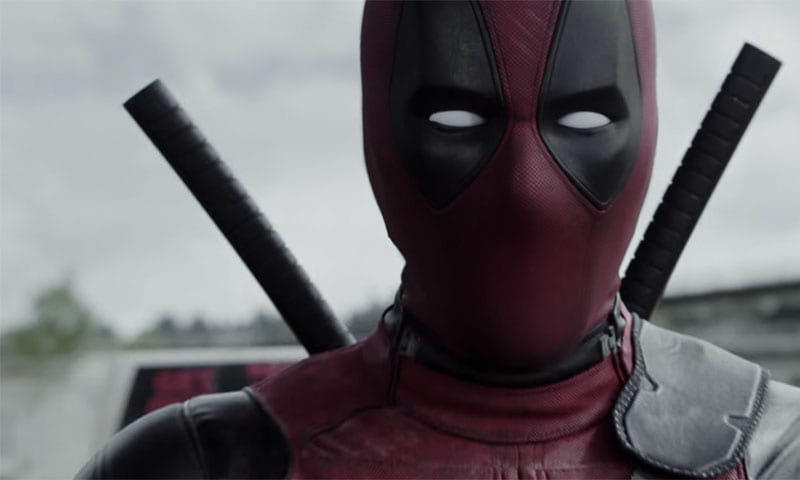 Deadpool celebra il Natale con un doppio trailer (video)