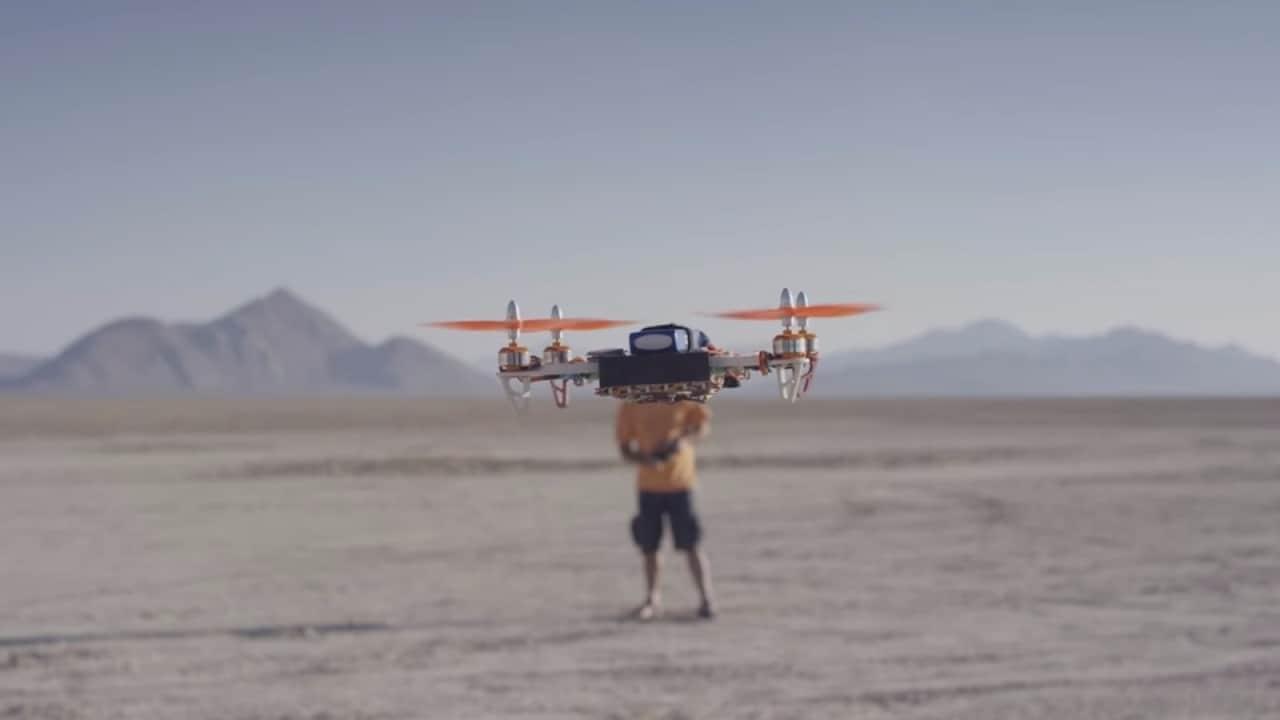 Google va in mezzo al deserto per testare dei droni pilotati da un'IA (video)