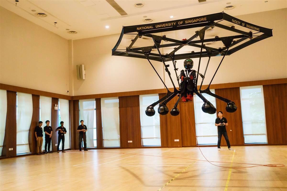"""Un giorno potreste arrivare a lavoro sul vostro """"drone"""" personale (video)"""