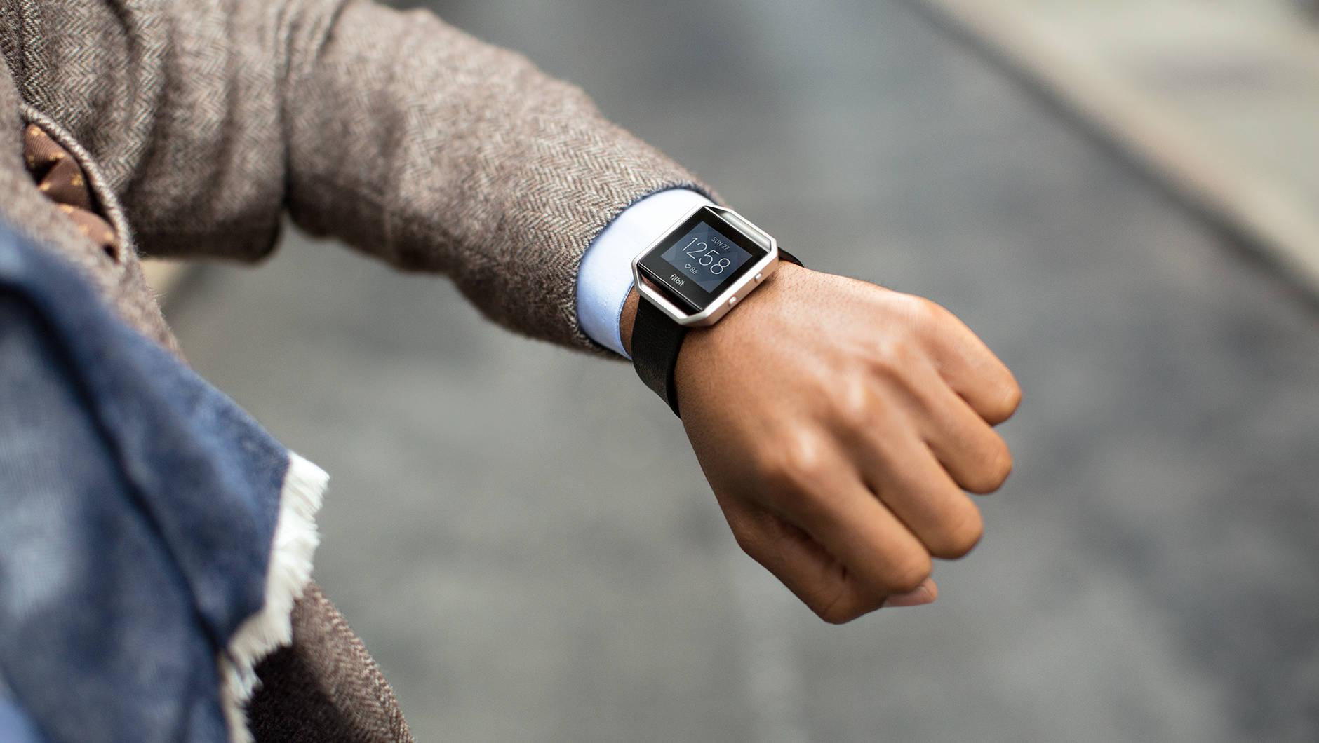 Fitbit Blaze diventa ancora più smart(watch) con l'ultimo aggiornamento (foto)