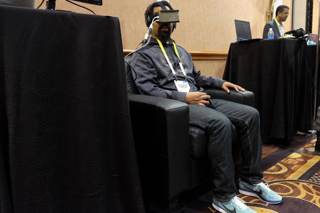 Il divano da realtà virtuale di Immersit si mostra al CES (in ritardo)