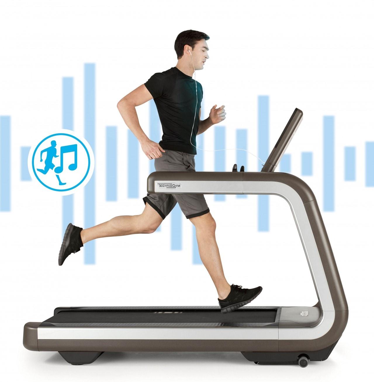 La musica migliore per allenarsi la sceglie Technogym, con Running Music