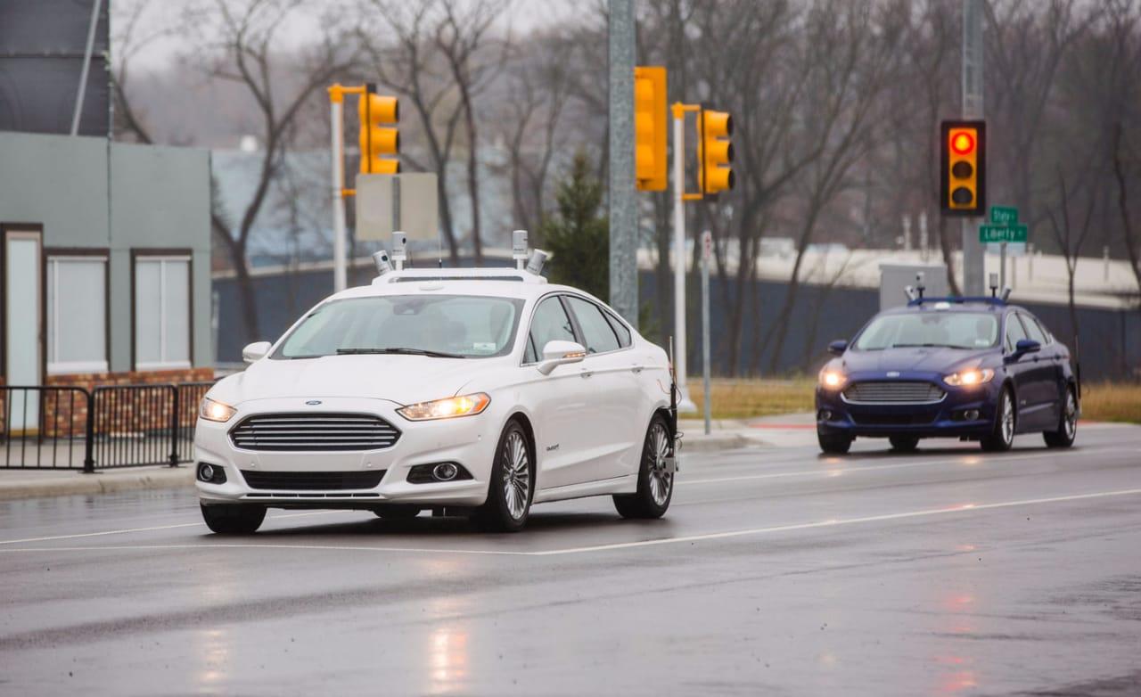 auto a guida autonoma self driving ford