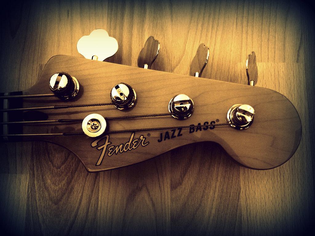 Il mito delle chitarre Fender rivive nelle sue 5 nuove cuffie