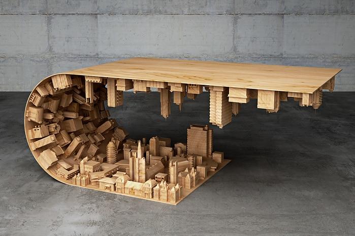 Nemmeno il più sfegatato fan di Inception comprerebbe questo tavolino. Forse.