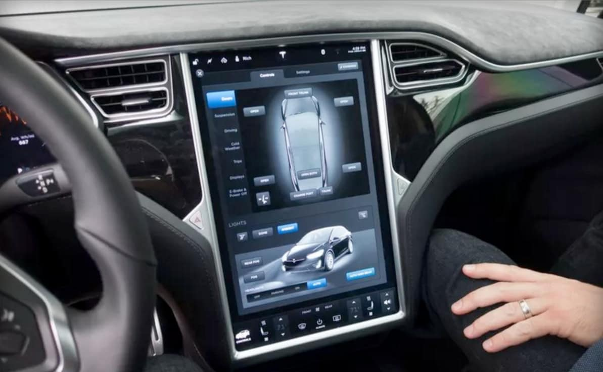 tesla infotainment android auto apple carplay