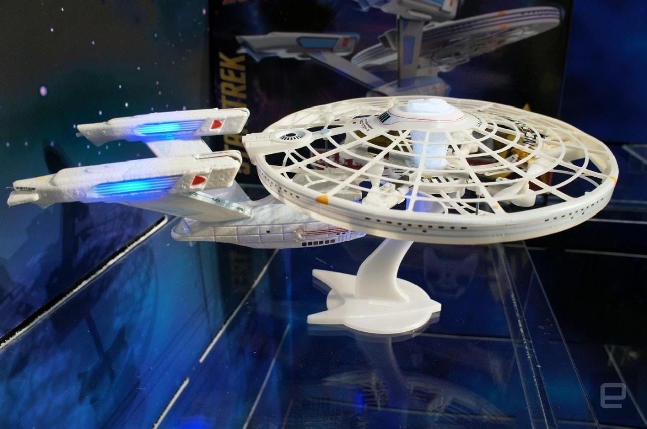 Per tutti i veri trekkers, ecco il drone USS Enterprise (foto)