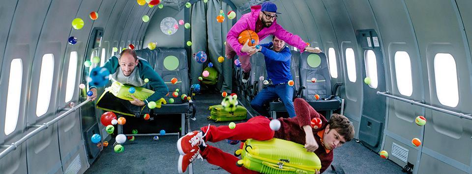 Upside Down & Inside Out: il nuovo video degli OK Go registrato a gravità zero (video)