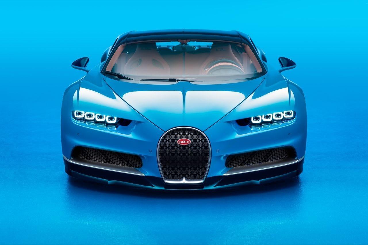 Bugatti Chiron e Lamborghini Centenario: i due bolidi danno spettacolo a Ginevra (foto)