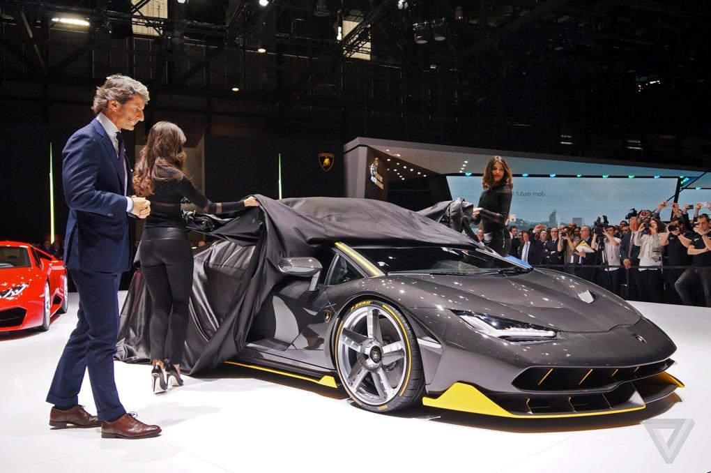 Lamborghini Centenario Ginevra 2016_23