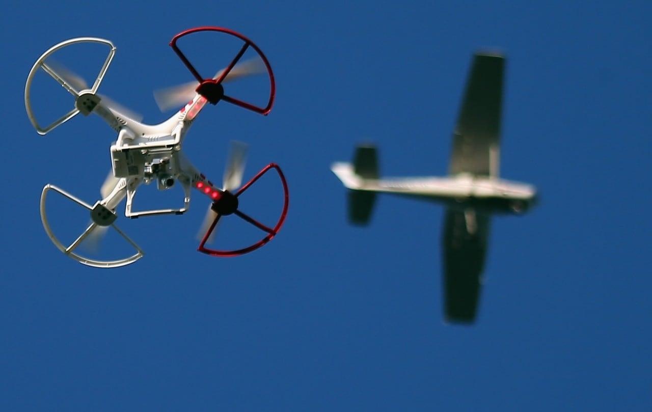 Uno studio discolpa i droni: quelli piccoli non sono un rischio per gli aerei