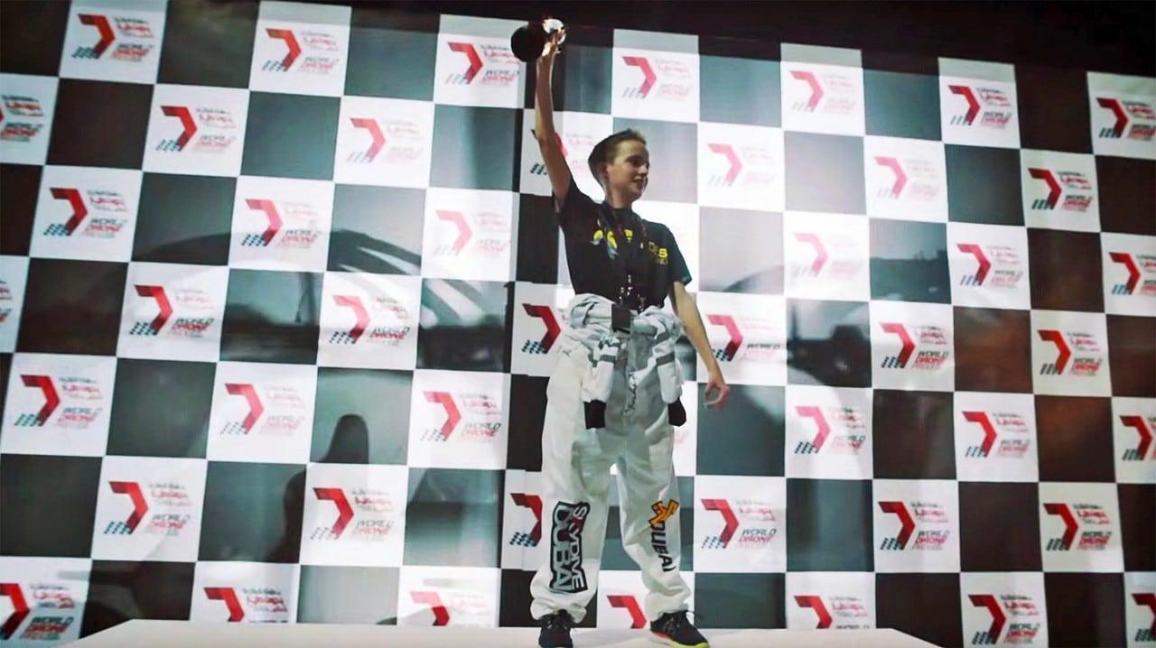 Il vincitore della prima gara fra droni si porta a casa 250.000 $ (video)