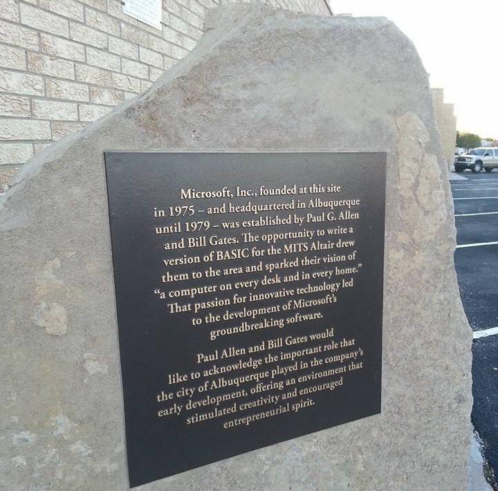 microsoft-monument