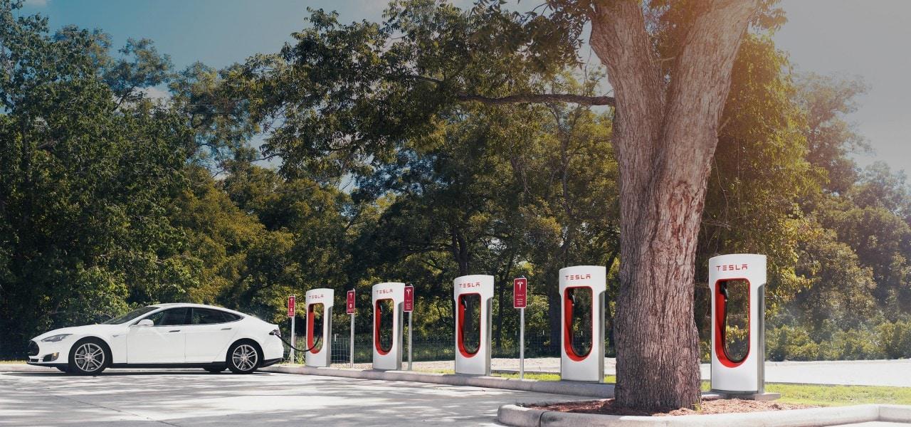 Musk conferma: Tesla Supercharger in tutta Italia entro fine 2016 (video)