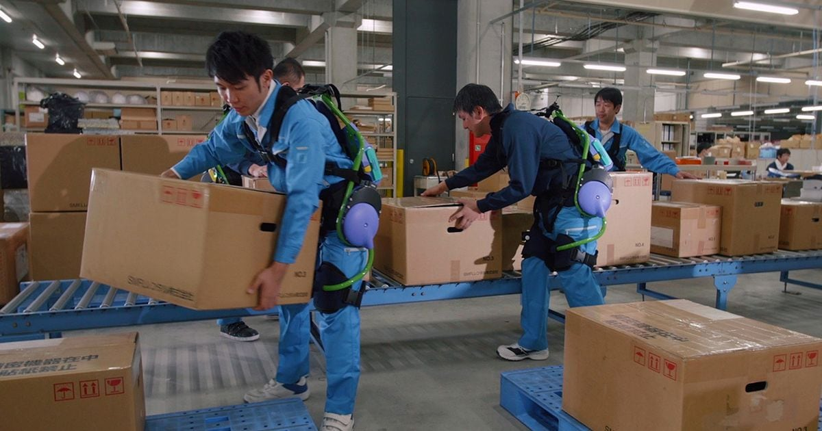 Panasonic mostra i suoi esoscheletri indossabili (video)
