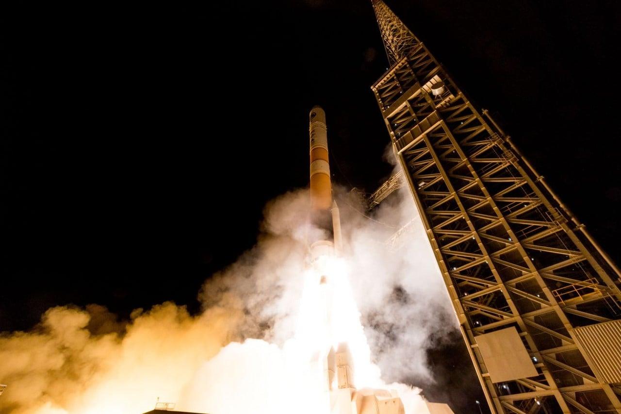 Il lancio del razzo Delta IV ripreso in un video a 360 gradi (video)
