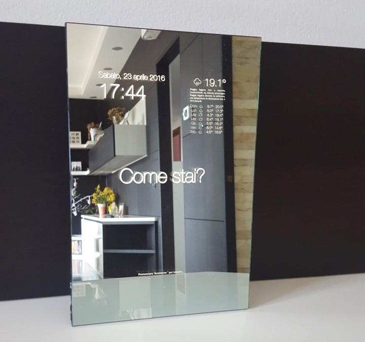 Un'idea italiana per portare gli specchi smart in ogni casa (foto e video)