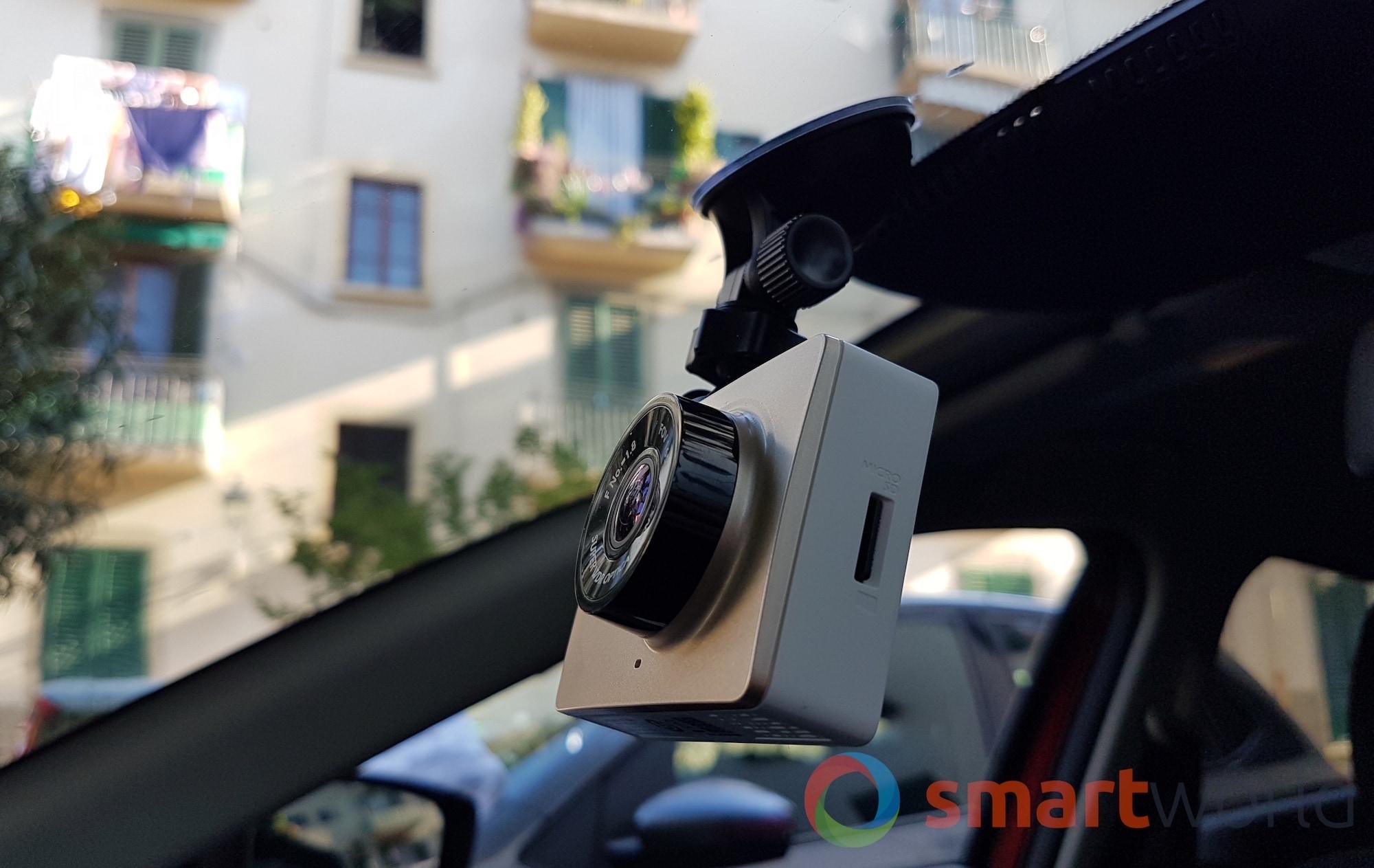 recensione xiaomi yi dashcam cam da auto economica smartworld. Black Bedroom Furniture Sets. Home Design Ideas