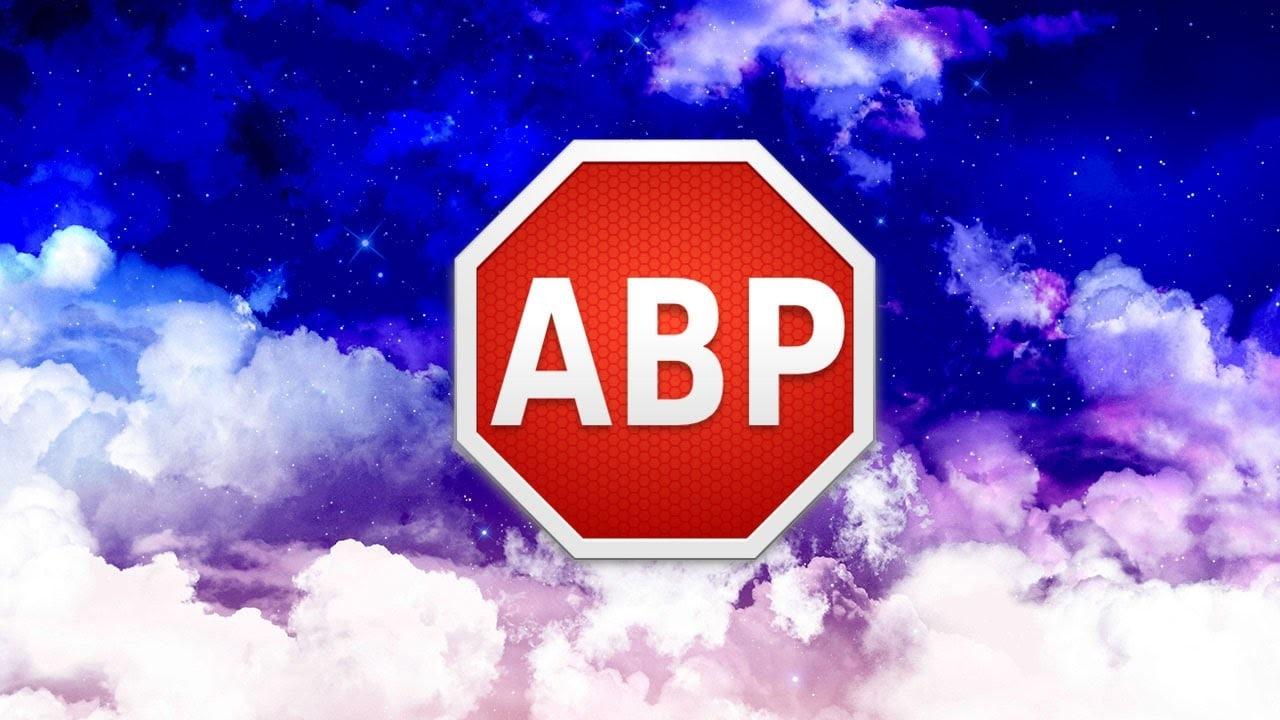 AdBlock ha fatto uno scherzetto ai suoi utenti: oscurati erroneamente i contenuti di Twitter, Wikipedia, Amazon e altri siti