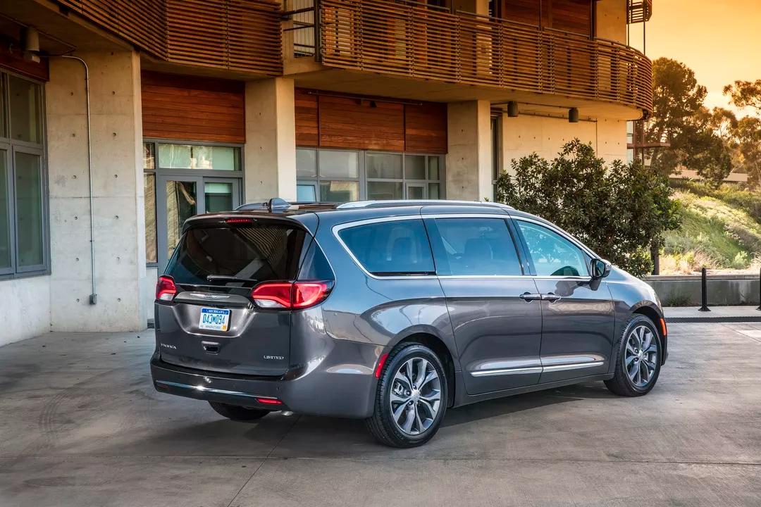 Le prossime auto a guida autonoma di Google saranno le Pacifica di Fiat Chrysler