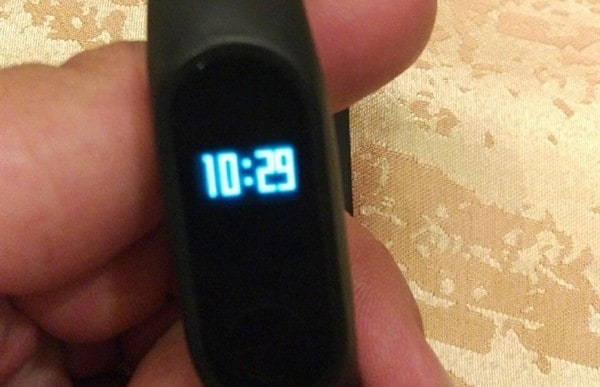 immagini mi band 2 con display_evd