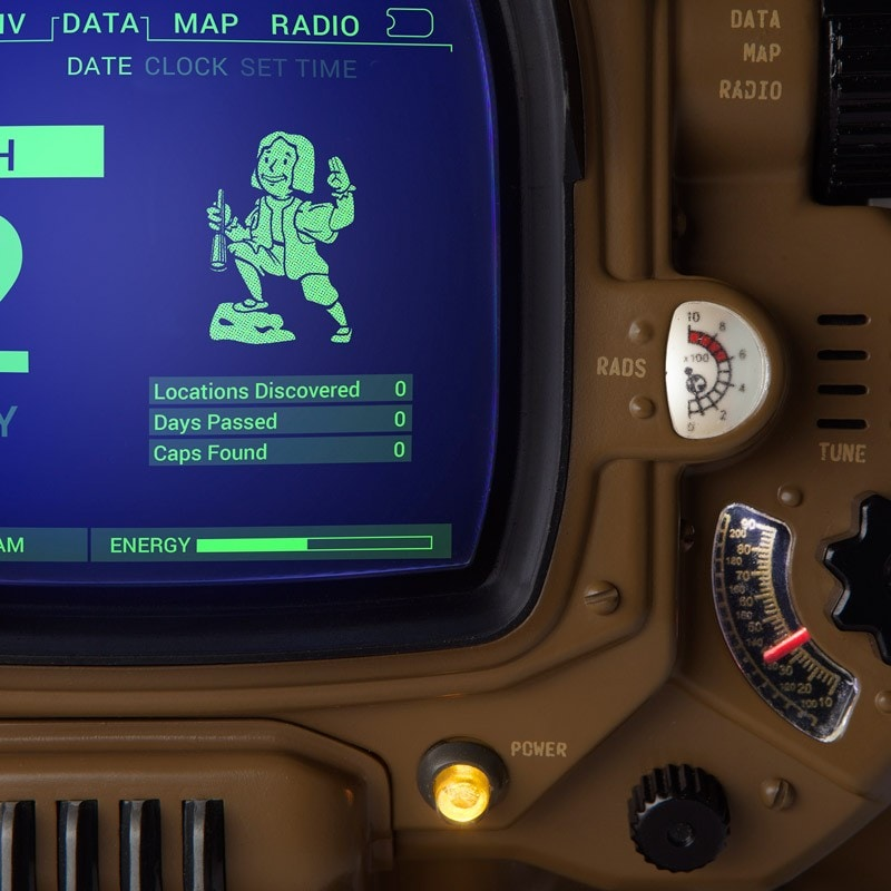 Pip-Boy Deluxe Bluetooth Edition – 6