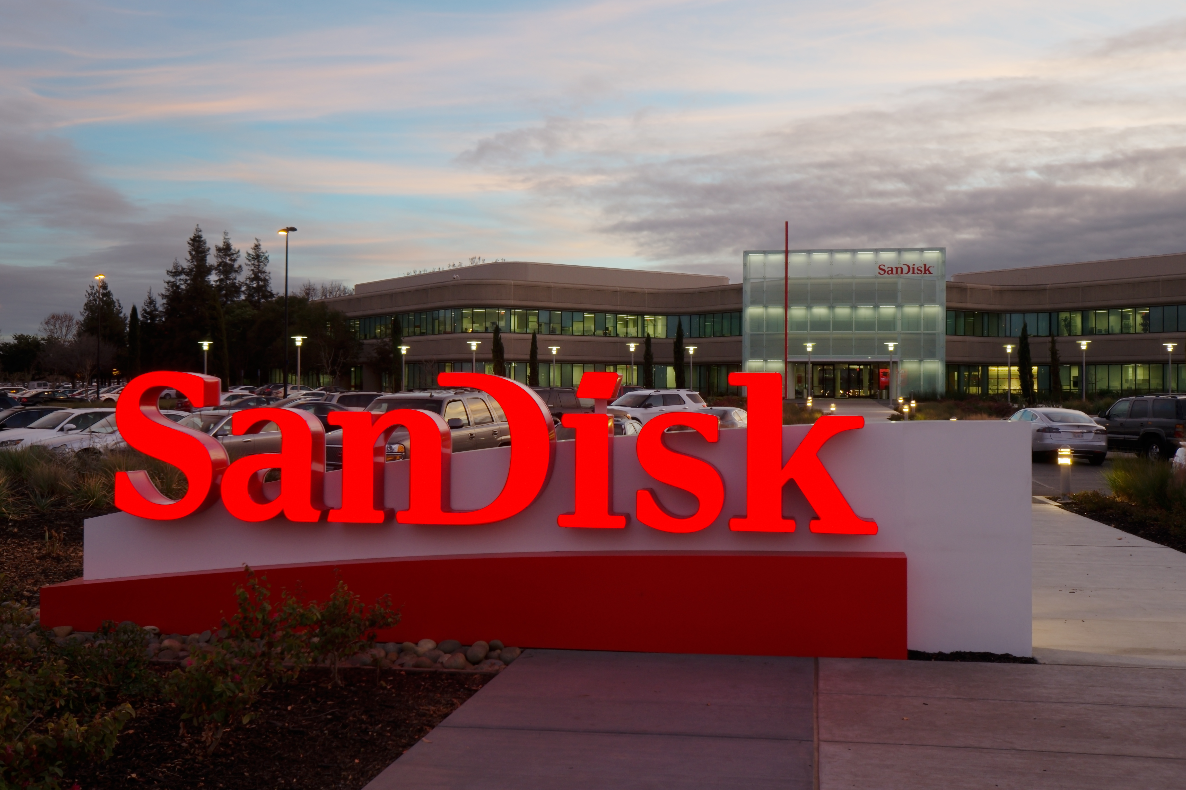 Offerta bomba per SanDisk Extreme PRO, una microSD in grado di accontentare davvero tutti - image  on https://www.zxbyte.com