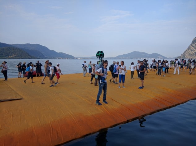 The Floating Piers Christo Street View_2
