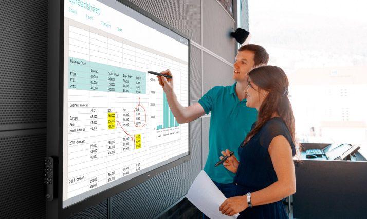 Il monitor da conferenza (interattivo) di Dell ha ben 70 pollici