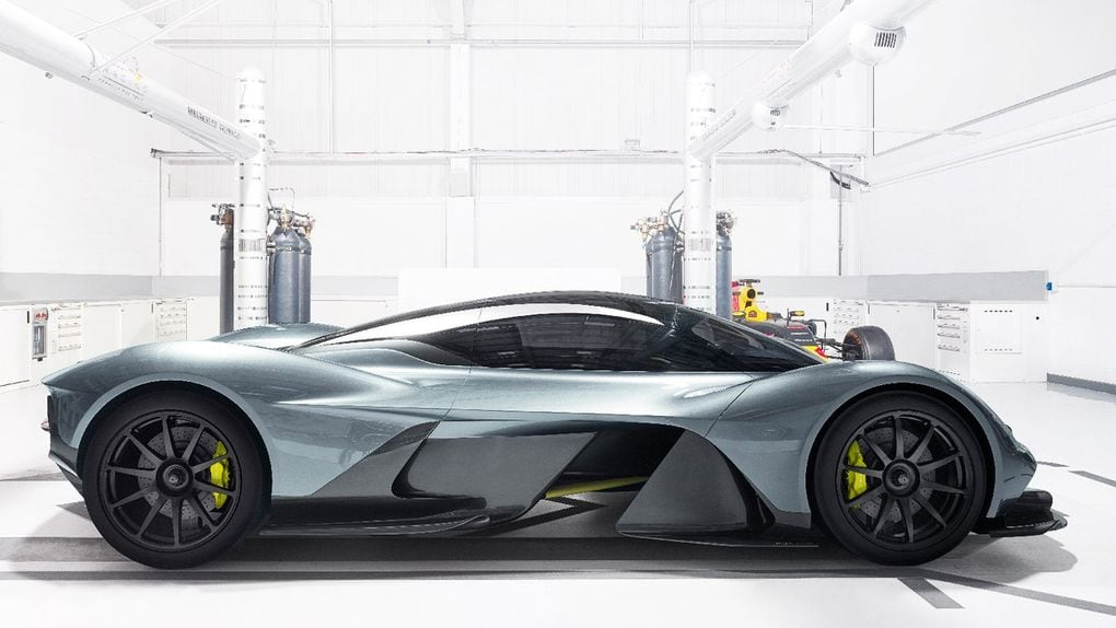 Aston Martin Red Bull AM-RB 001 (1)