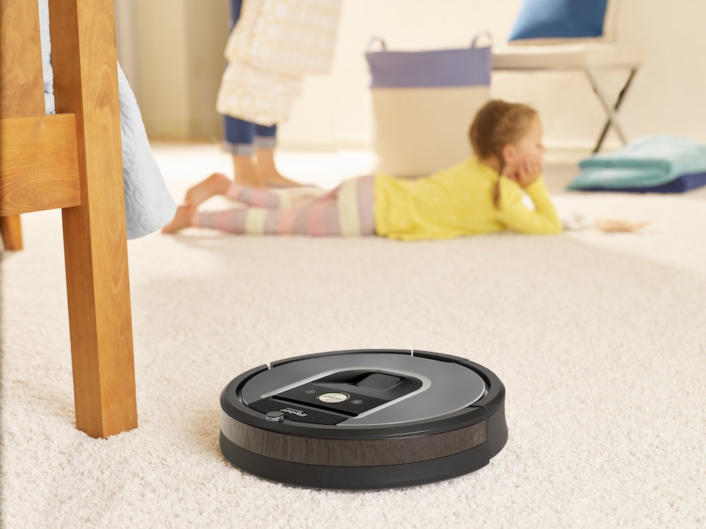I robot connessi della serie Roomba 800 e 600 arrivano in Italia