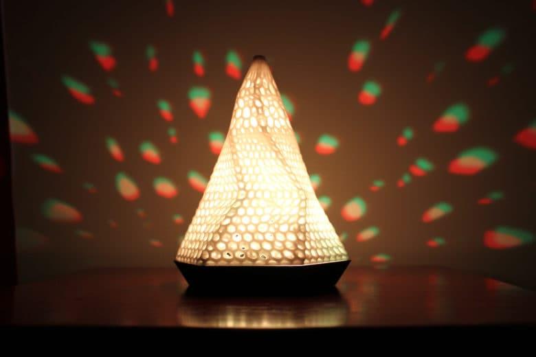 La lampada smart che dovrebbe migliorarti la vita (video)