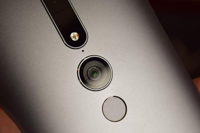 Anteprima-Lenovo-Phab-2-Pro
