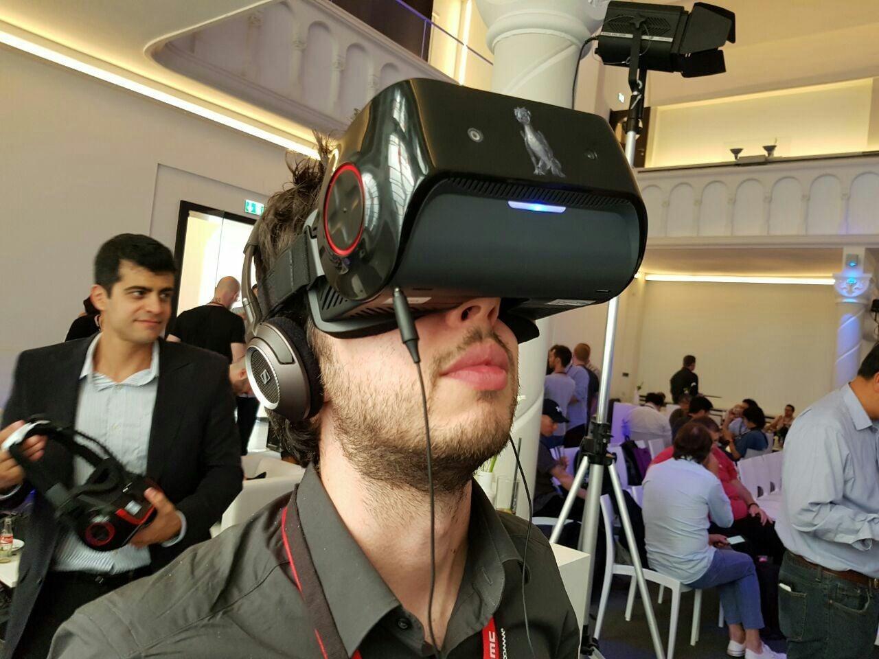 Visore VR Snapdragon VR820_2