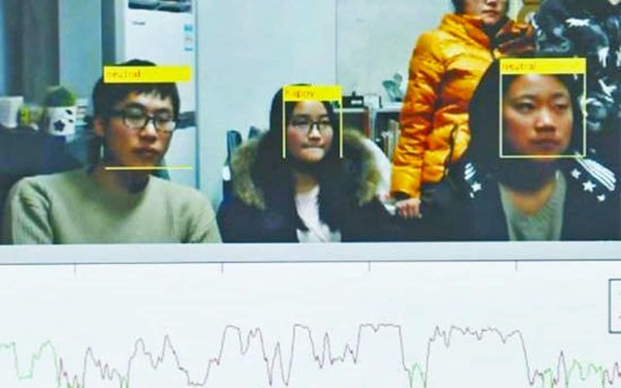 riconoscimento facciale studenti annoiati
