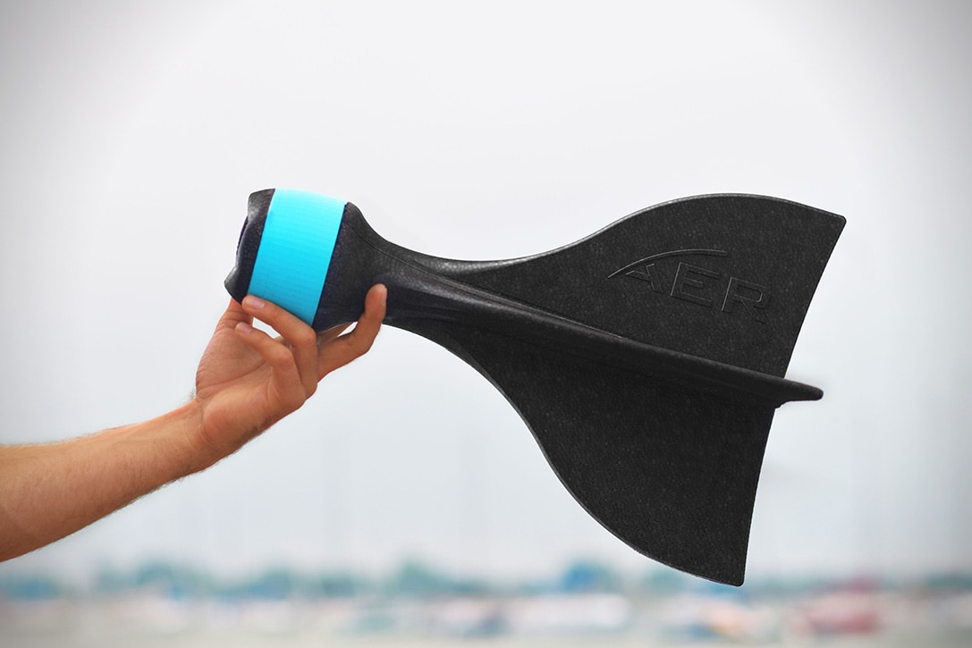 Lanciate in aria (mentre scattate foto e  girate video) la vostra GoPro con AER (video)